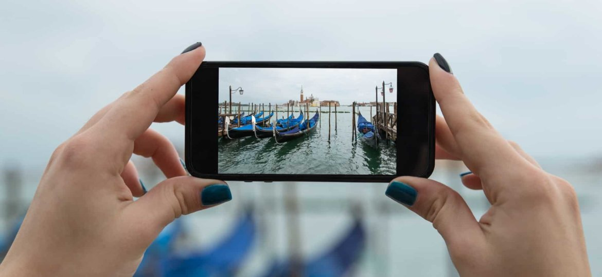 shooting-in-landscape-on-iphone